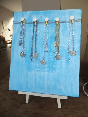 Sara Naumann blog Sunday Market Amsterdam necklaces
