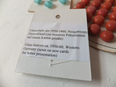 Sara Naumann blog buttons vintage