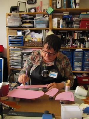 Sara Naumann blog Lynnda Worsnop working