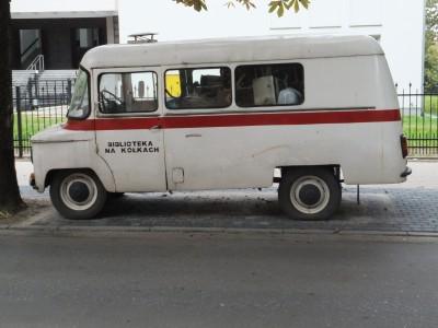 Sara Naumann blog PHoto Friday bus