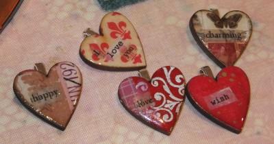 Sara Naumann blog Art Chix hearts